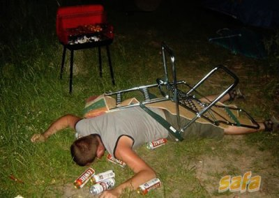 1262183014_drunk-men-in-stupid-positions