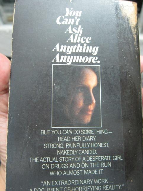 Quyển này tôi tìm được trong 1 nhà sách cũ, năm 18 tuổi :)