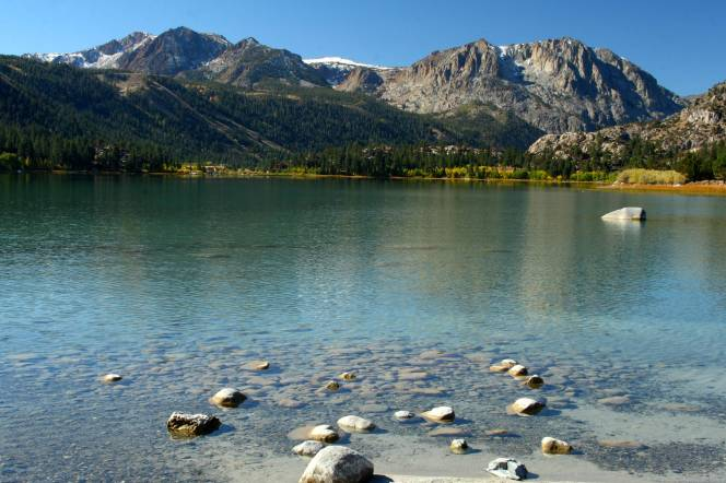 June_Lake_with_Sierra_crest
