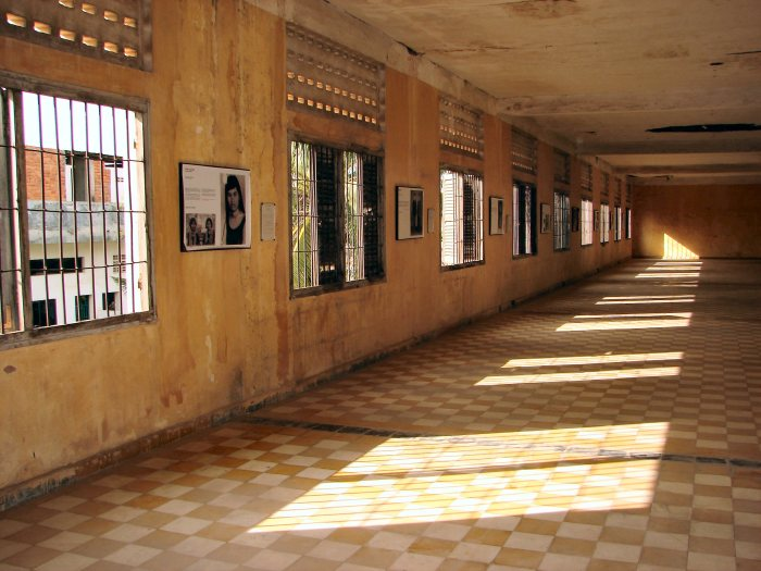 Tuol_Sleng_Genocide_Museum_Cells