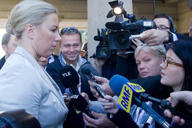 international-harassment-women-journalists-getty__641x427.jpg
